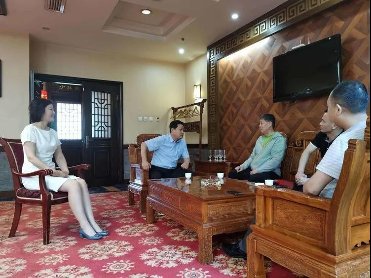 华阴市委书记会见官网集团